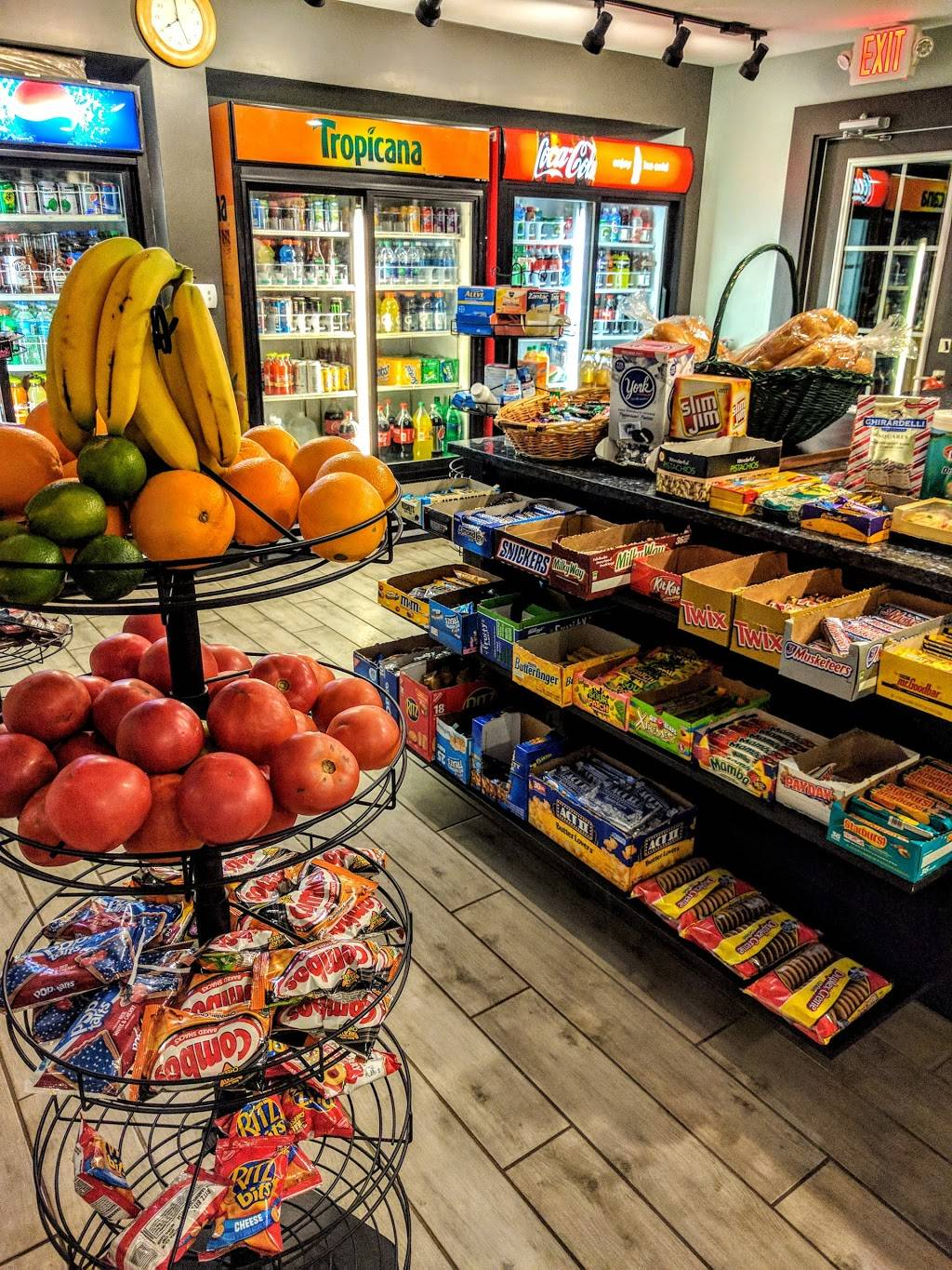 Bayside Market - convenience store  | Photo 1 of 2 | Address: 6301 S West Shore Blvd, Tampa, FL 33616, USA | Phone: (813) 559-7319