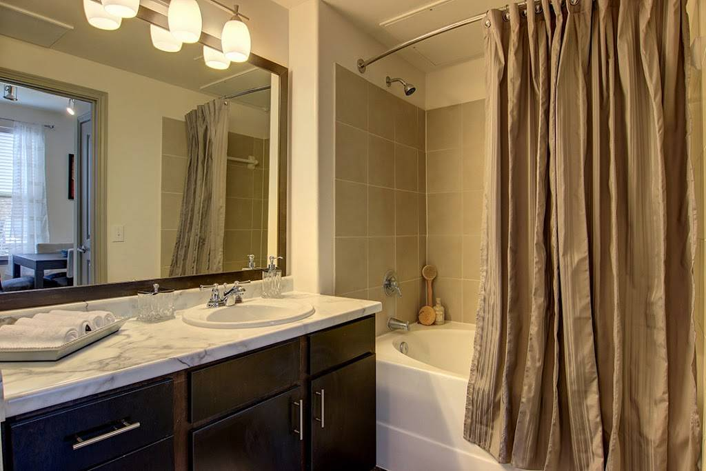 Encore Crossings Apartments - real estate agency  | Photo 3 of 10 | Address: 2202 Nodding Pines Dr, Corpus Christi, TX 78414, USA | Phone: (361) 992-8100