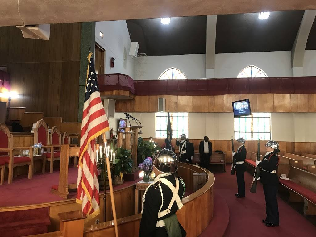 St. Paul Church - church  | Photo 5 of 10 | Address: 2260 Hunt St, Detroit, MI 48207, USA | Phone: (313) 567-9643