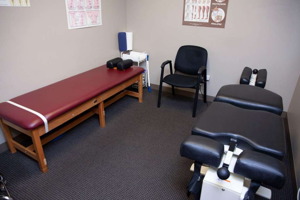 Anthony R. Galante, DC - physiotherapist    Photo 4 of 10   Address: 2210 N Huntington Dr, Algonquin, IL 60102, USA   Phone: (847) 854-2000