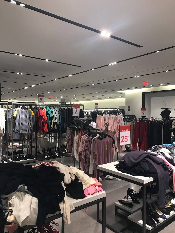 ZARA - clothing store    Photo 2 of 7   Address: FASHION SHOW MALL, 3200 S Las Vegas Blvd, Las Vegas, NV 89109, USA   Phone: (702) 733-1113