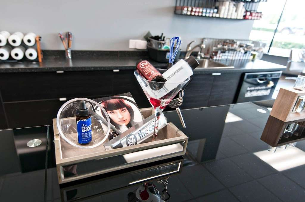 Fuschay Beauty Bar - hair care  | Photo 5 of 10 | Address: 847 N Wilke Rd, Arlington Heights, IL 60005, USA | Phone: (847) 873-1680