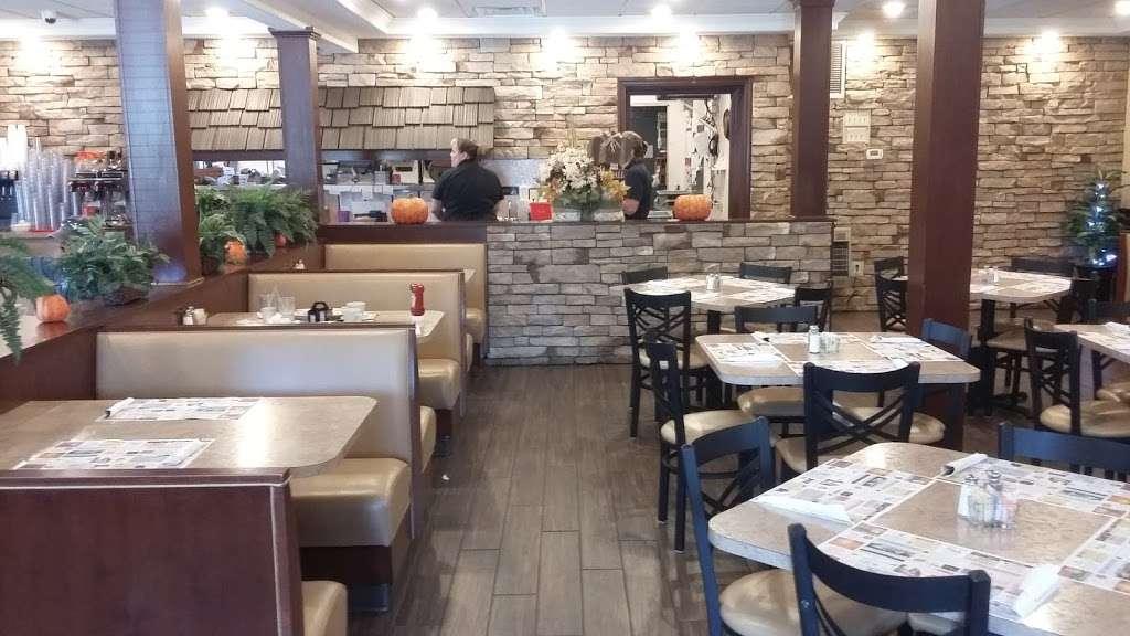 Rivertowne Restaurant & Bar - restaurant  | Photo 1 of 10 | Address: 960 Hellam St, Wrightsville, PA 17368, USA | Phone: (717) 252-3184