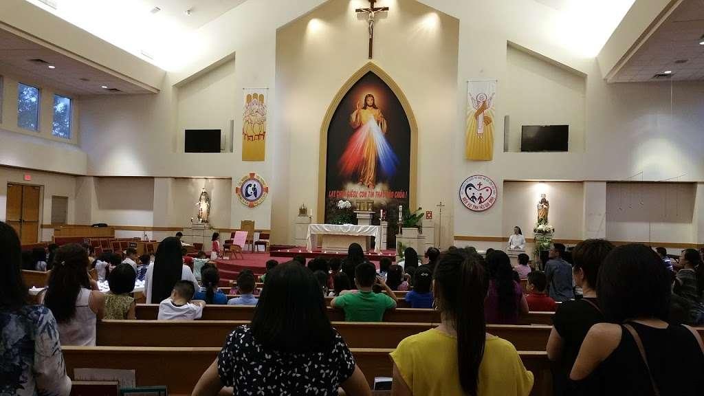 Vietnamese Martyr Church - church  | Photo 3 of 10 | Address: 10610 Kingspoint Rd, Houston, TX 77075, USA | Phone: (713) 941-0521