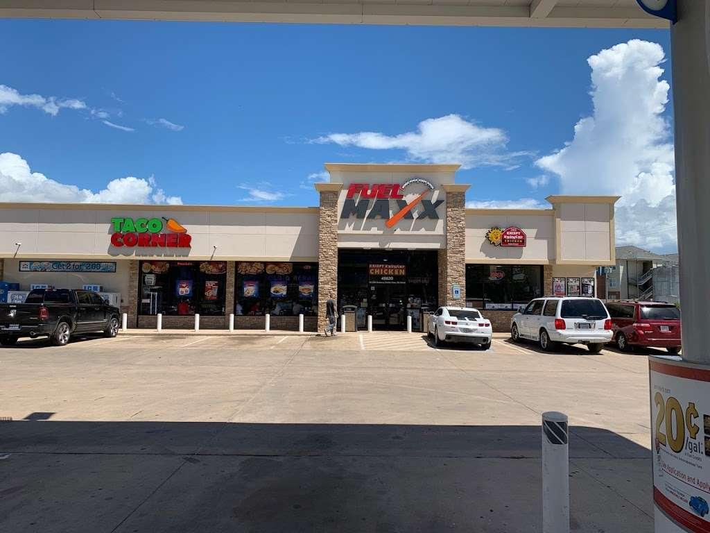 FUEL MAXX #60 - gas station  | Photo 9 of 10 | Address: 45620 US-290 BUS, Prairie View, TX 77446, USA | Phone: (936) 261-7070