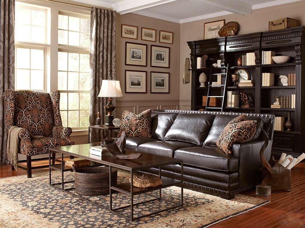 Star Furniture - furniture store  | Photo 1 of 10 | Address: 20010 Gulf Fwy, Webster, TX 77598, USA | Phone: (281) 338-2471