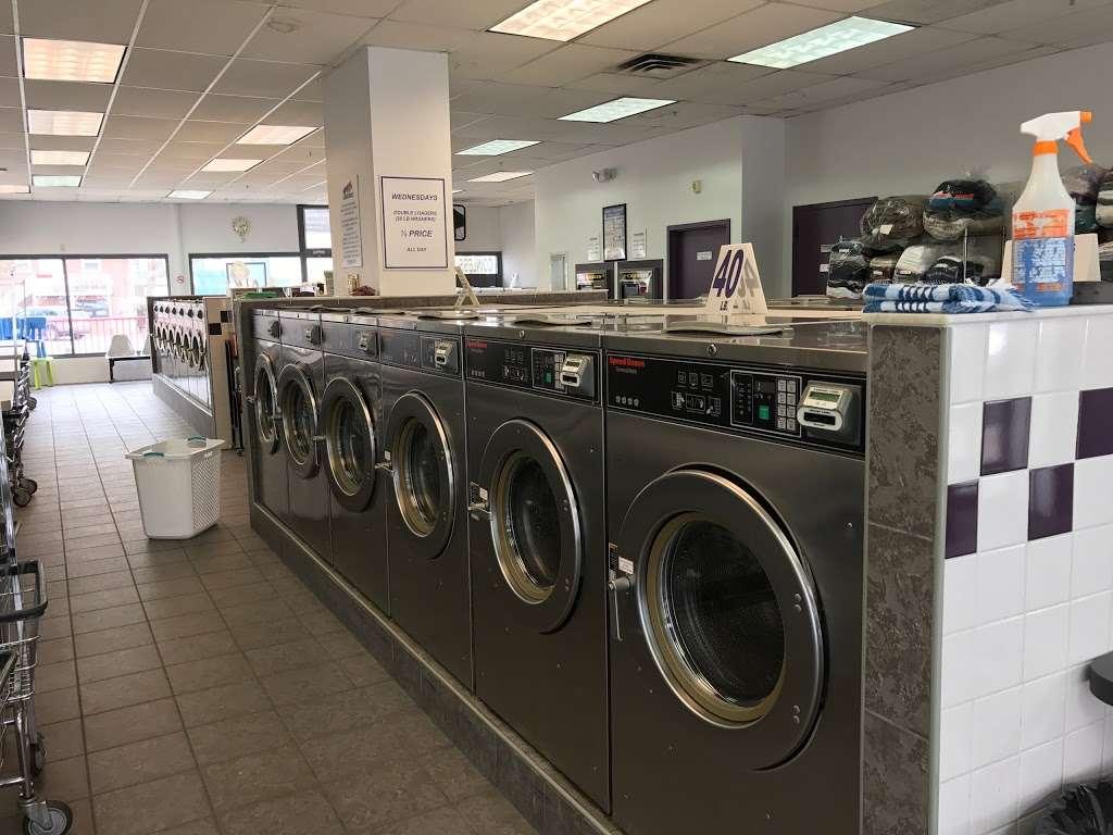 Scrubs Laundromat - laundry  | Photo 1 of 9 | Address: 315 Main St #4, Little Ferry, NJ 07643, USA | Phone: (201) 440-3343