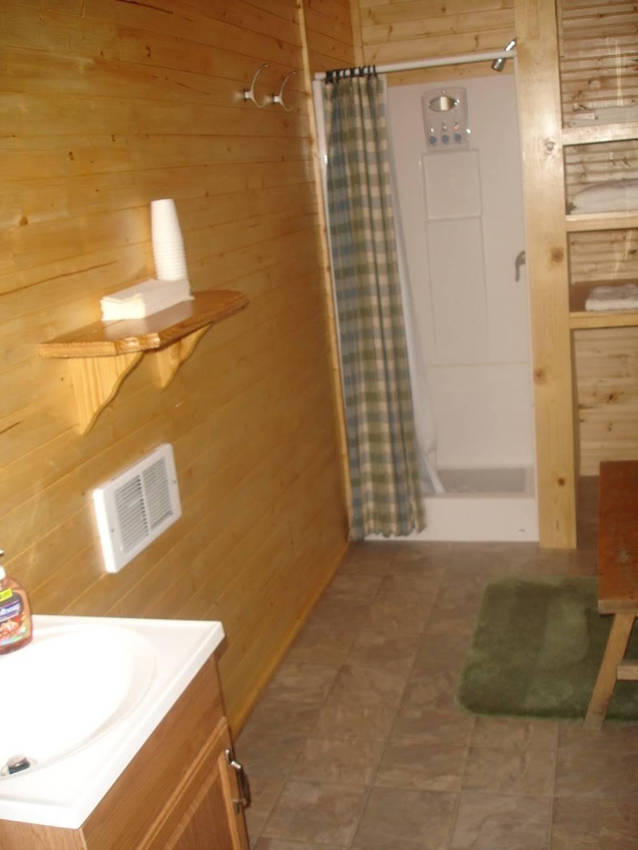 Wilderness Place Lodge Inclusive Alaska Fishing - lodging  | Photo 3 of 10 | Address: 4525 Enstrom Cir, Anchorage, AK 99502, USA | Phone: (907) 733-2051