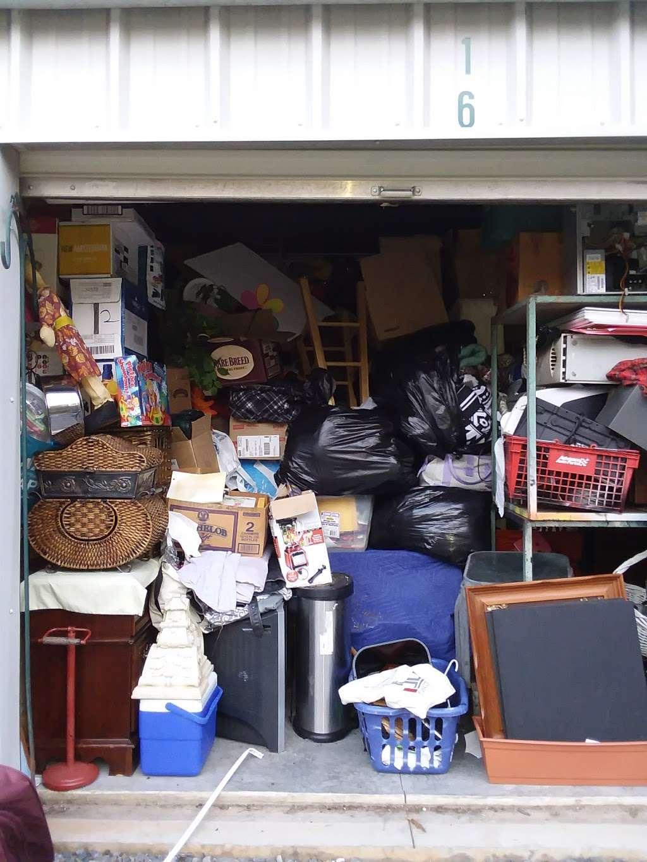 Grannys Self Storage - storage    Photo 6 of 7   Address: 4335 Kings Mountain Hwy, Bessemer City, NC 28016, USA   Phone: (704) 445-3814