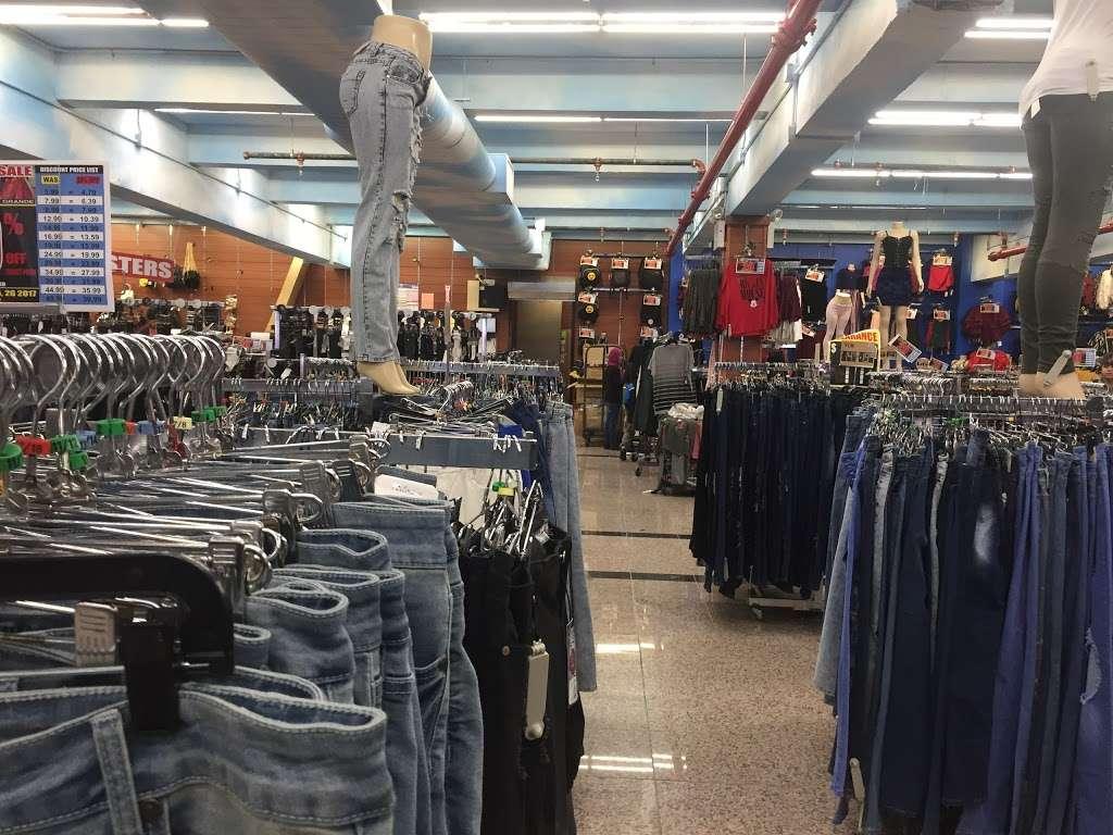 V.I.M. - clothing store  | Photo 8 of 10 | Address: 2265 E Tremont Ave, The Bronx, NY 10462, USA | Phone: (347) 281-8747