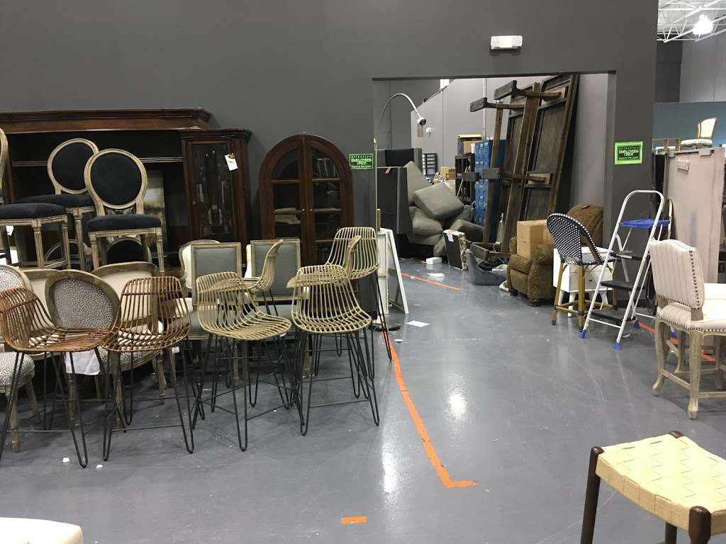 Salvage Plus - furniture store  | Photo 1 of 10 | Address: 815 Willowbrook Dr, Schererville, IN 46375, USA | Phone: (219) 515-2522