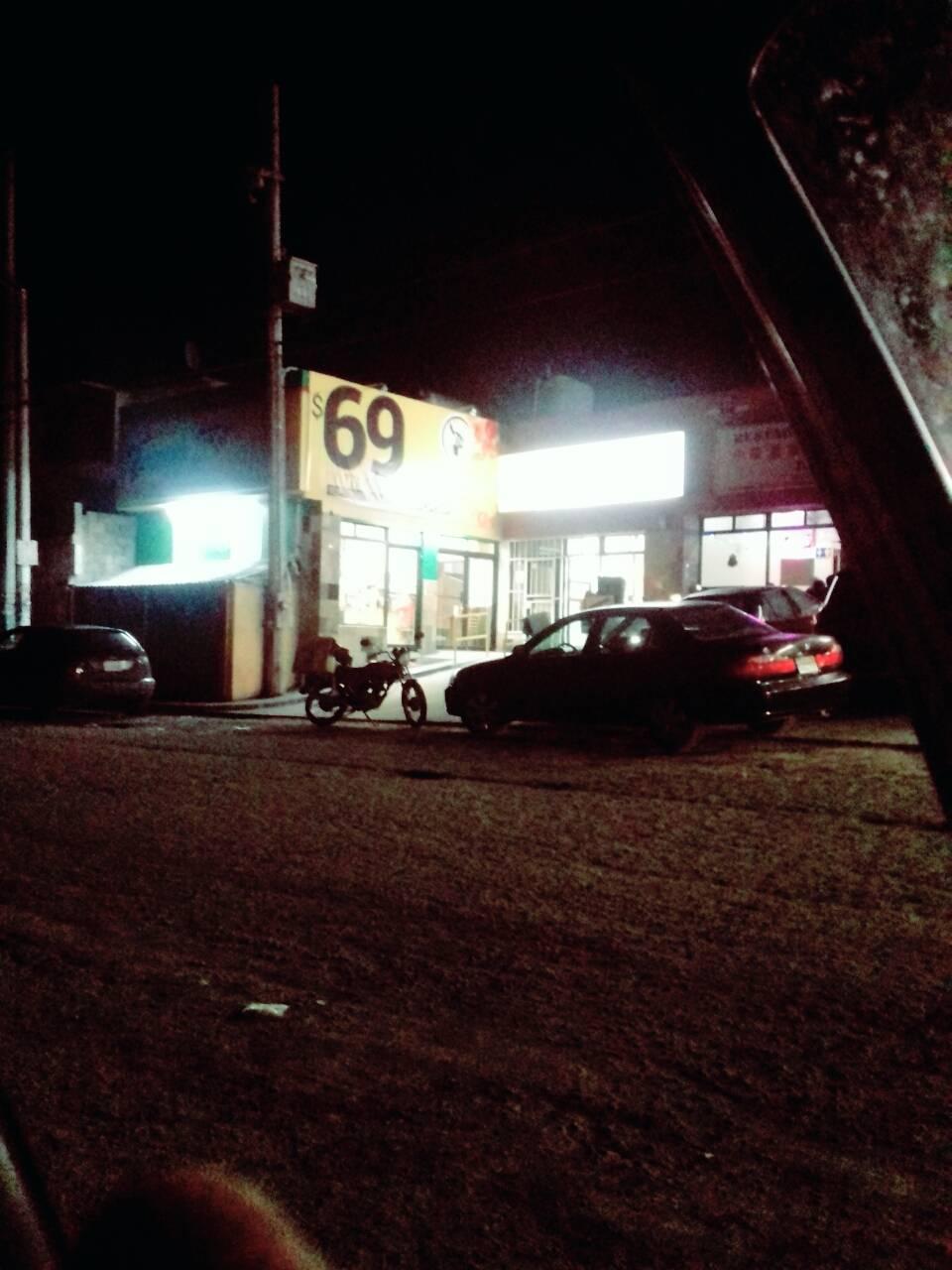 Tooginos Pizza - Villa del Prado - meal delivery  | Photo 6 of 7 | Address: Calle Abeto s/n, Fracc. Urbi Villa 2da. Secc., 22101 Tijuana, B.C., Mexico | Phone: 664 979 8989