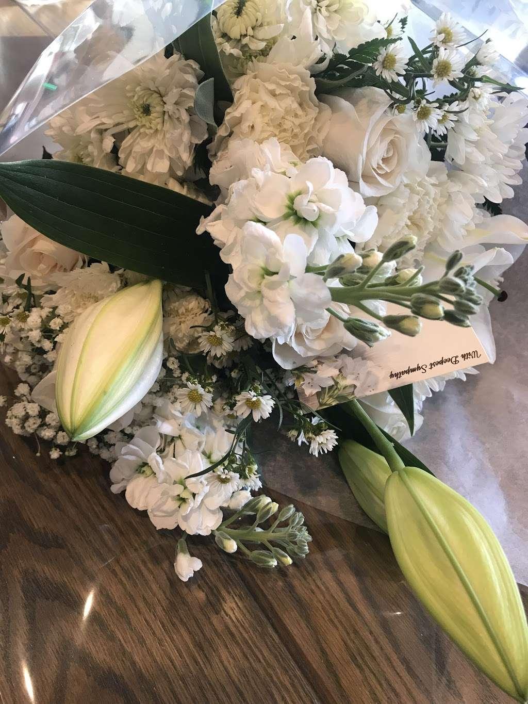 Creative Florist - florist    Photo 6 of 10   Address: 93-01 63rd Dr, Rego Park, NY 11374, USA   Phone: (718) 459-9292