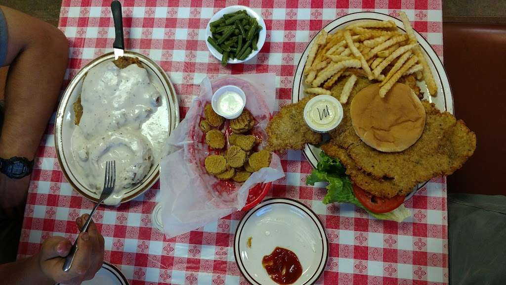 Nana Jos - restaurant    Photo 5 of 10   Address: 22932 E 2200th Rd, Lacygne, KS 66040, USA   Phone: (913) 757-2000