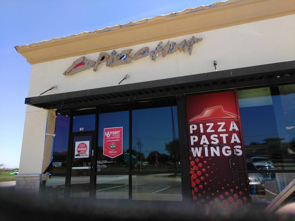 Pizza Hut - meal delivery  | Photo 1 of 9 | Address: 7236 Blue Mound Rd #104, Fort Worth, TX 76131, USA | Phone: (817) 306-0101