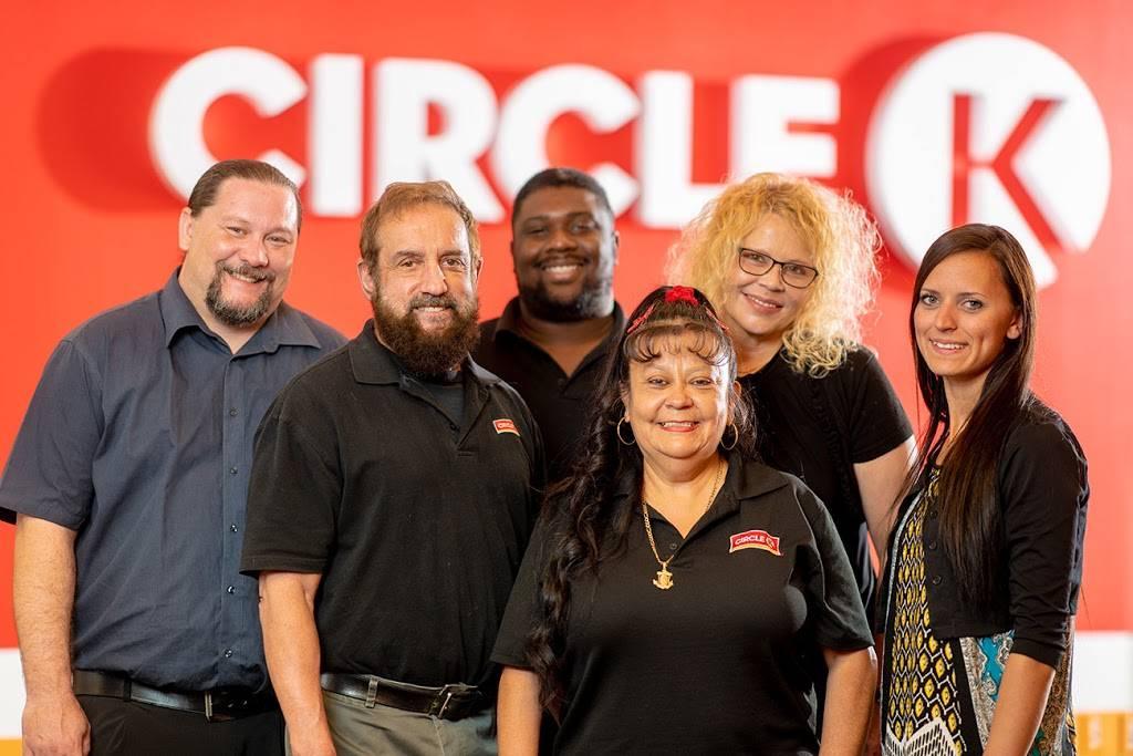 Circle K - gas station  | Photo 5 of 7 | Address: 10691 St Charles Rock Rd, St Ann, MO 63074, USA | Phone: (314) 733-1430