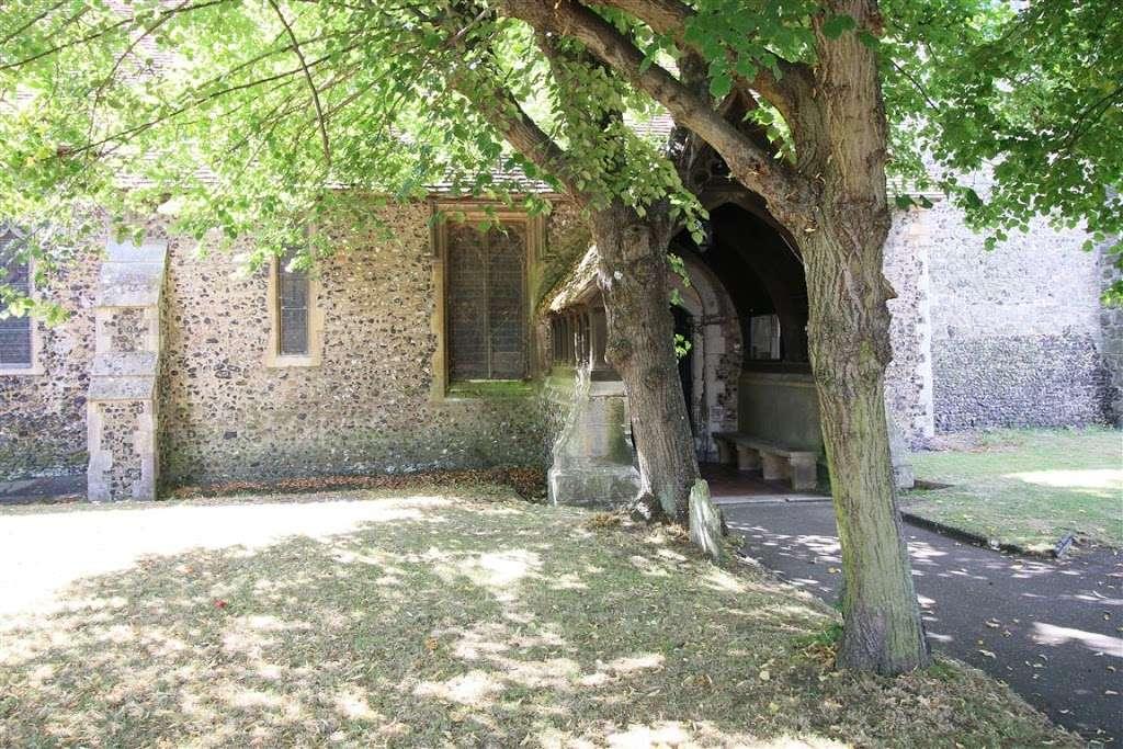 St Mary the Virgin, North Stifford - church  | Photo 5 of 10 | Address: High Rd, North Stifford, Grays RM16 5UE, UK | Phone: 01375 372733