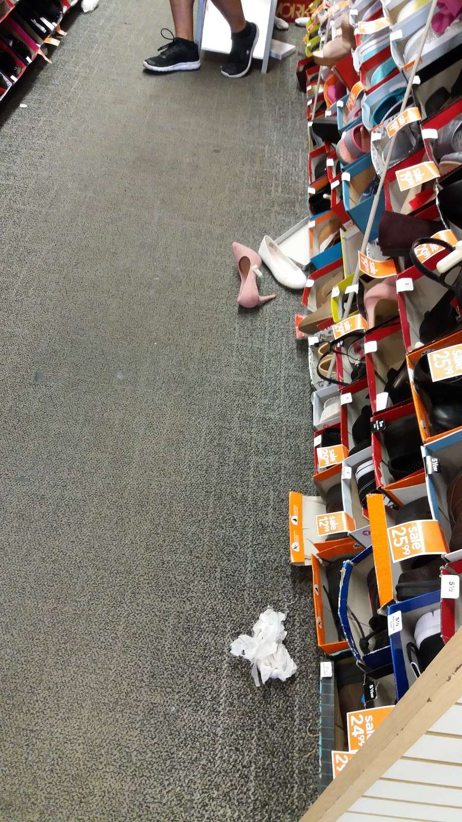 Payless ShoeSource - shoe store  | Photo 1 of 5 | Address: 2260 Bartow Ave, Bronx, NY 10475, USA | Phone: (718) 379-5894