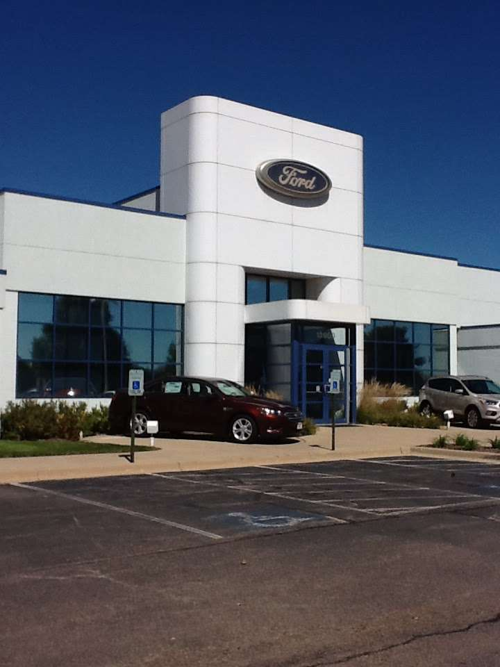 Tom Peck Ford of Huntley - car repair  | Photo 5 of 10 | Address: 13900 Automall Dr, Huntley, IL 60142, USA | Phone: (847) 669-6060