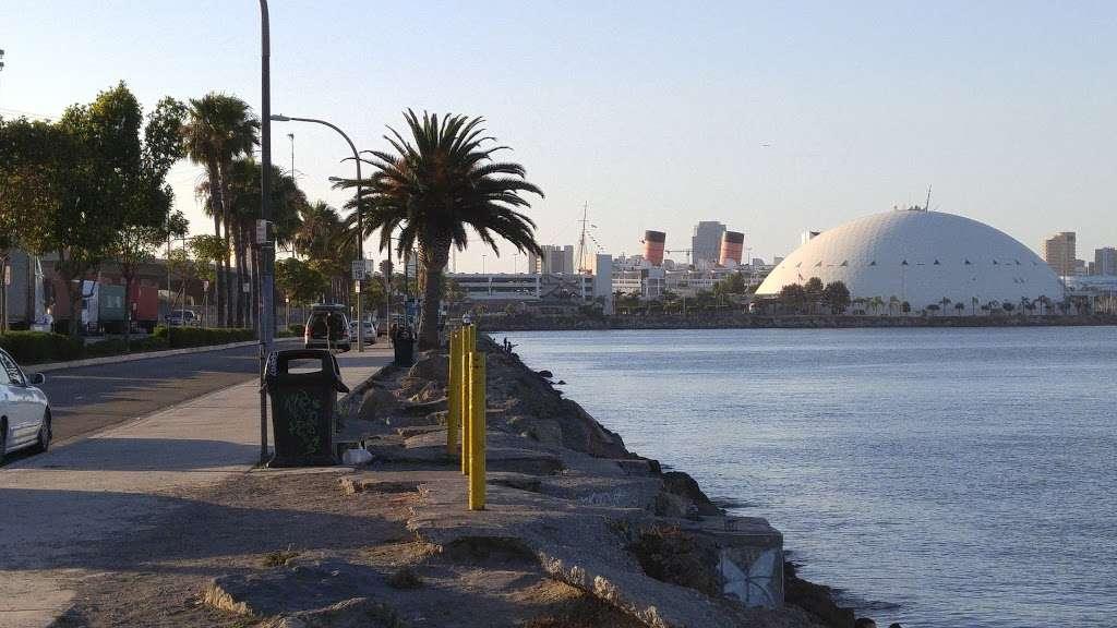 Pier J - Fishing Spot - park  | Photo 9 of 10 | Address: Long Beach, CA 90802, USA