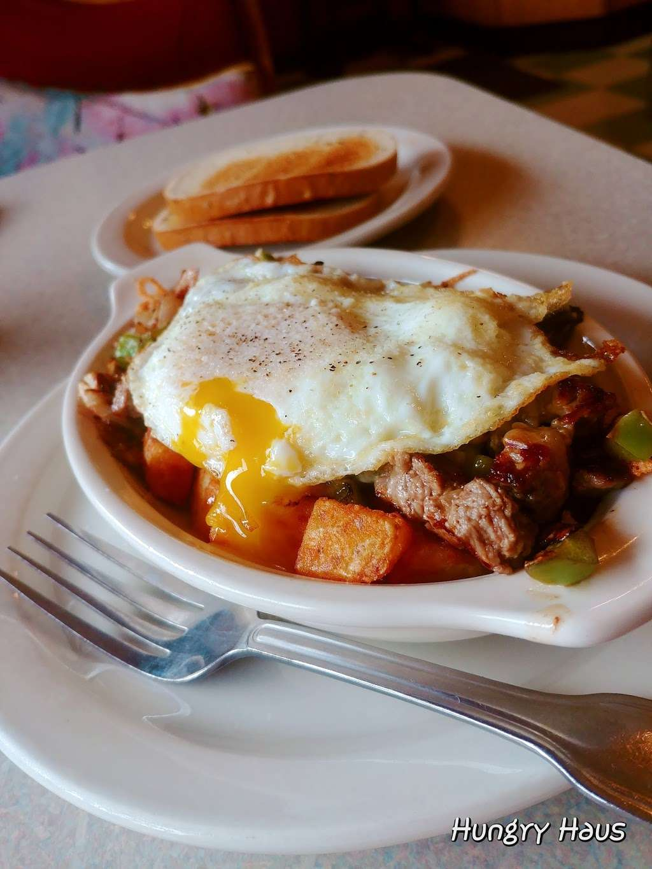 Oswego Family Restaurant - restaurant  | Photo 7 of 10 | Address: 69 Main St, Oswego, IL 60543, USA | Phone: (630) 554-0340