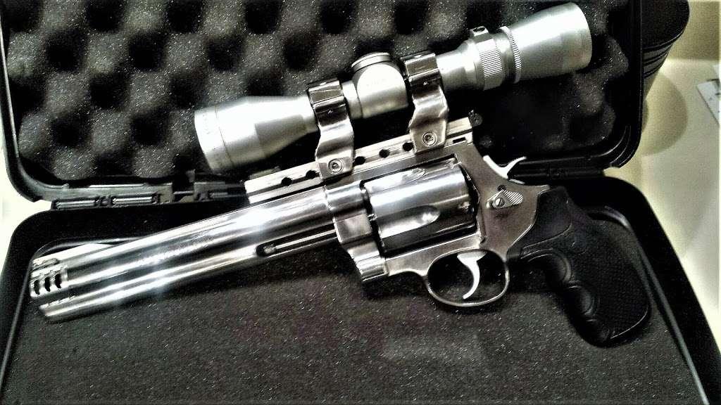 Sammy Ds Discount Arms - store    Photo 4 of 10   Address: 1807, 4850 W North Ln, Glendale, AZ 85302, USA   Phone: (480) 490-8251