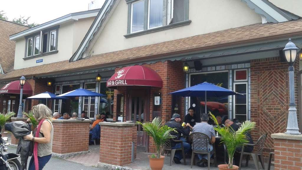 Carriage House - restaurant  | Photo 1 of 10 | Address: 3351 NY-97, Barryville, NY 12719, USA | Phone: (845) 557-0400