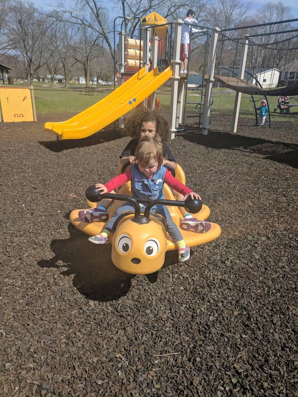 Northland Manor Park - park    Photo 4 of 8   Address: Northland Manor Park, Madison, WI 53704, USA   Phone: (608) 266-4711