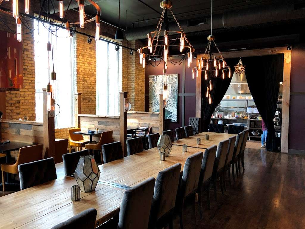 Kindred on KK - restaurant  | Photo 1 of 10 | Address: 2535 S Kinnickinnic Ave, Milwaukee, WI 53207, USA | Phone: (414) 446-3640