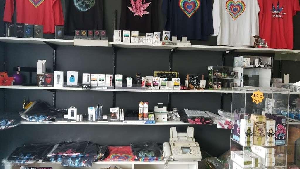 Butterfield Pantry - convenience store  | Photo 3 of 10 | Address: 22W535 Butterfield Rd # 7, Glen Ellyn, IL 60137, USA | Phone: (630) 858-3350