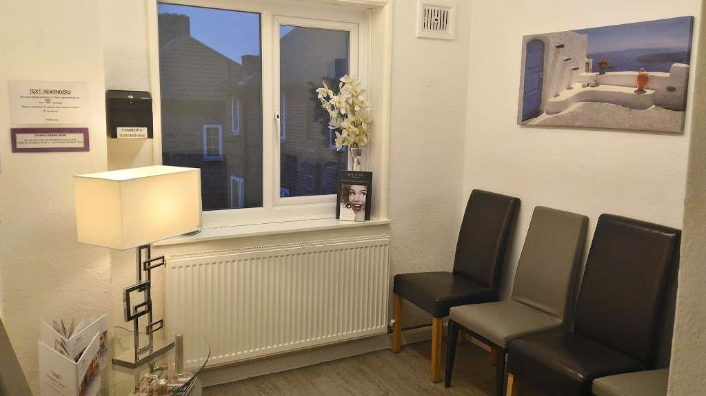 St Helier Dental Surgery - dentist  | Photo 2 of 3 | Address: 245 St Helier Ave, Morden SM4 6JH, UK | Phone: 020 8648 2600