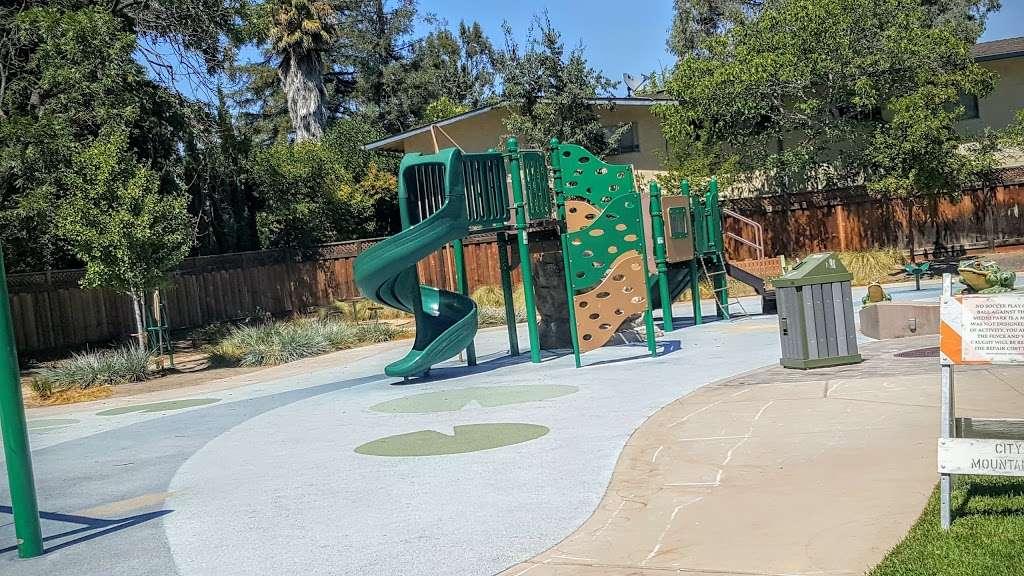 Del Medio Park - park  | Photo 3 of 10 | Address: 380 Del Medio Ave, Mountain View, CA 94040, USA | Phone: (650) 903-6326