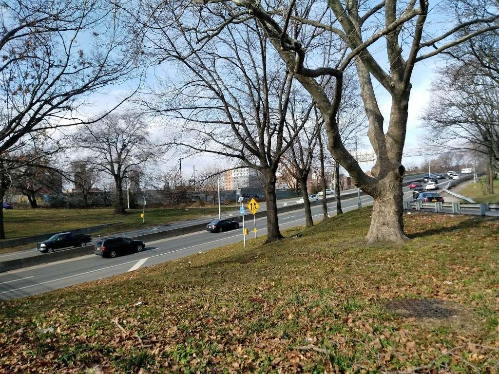 Noble Playground - park  | Photo 6 of 10 | Address: 3101, 1541 Bronx River Ave, Bronx, NY 10460, USA | Phone: (212) 639-9675