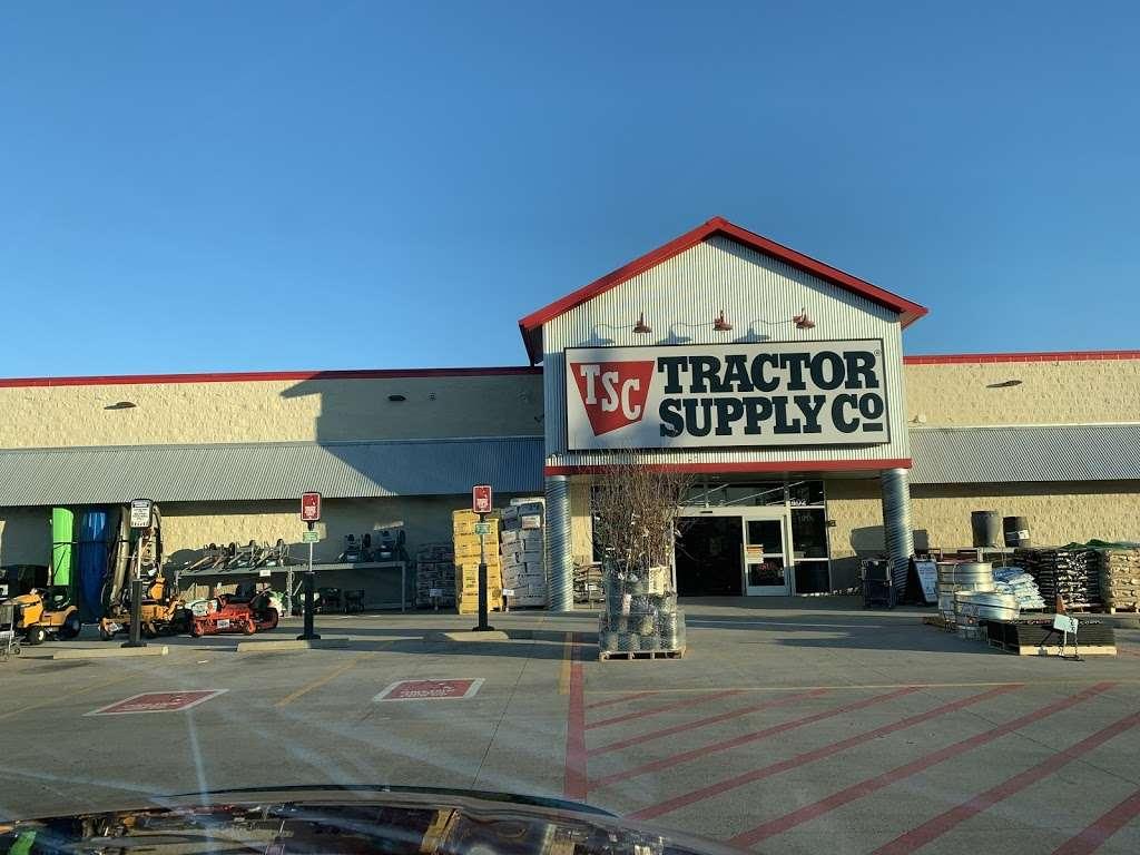 Tractor Supply Co. - hardware store  | Photo 3 of 10 | Address: 18567 Buddy Riley Blvd, Magnolia, TX 77354, USA | Phone: (281) 259-7158