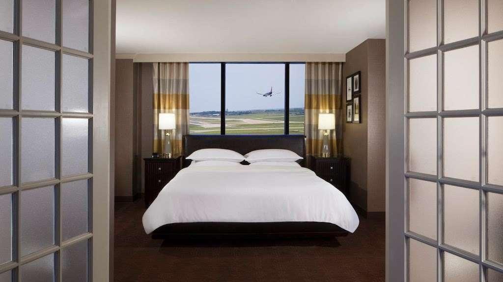 Sheraton DFW Airport Hotel - lodging  | Photo 2 of 10 | Address: 4440 W John Carpenter Fwy, Irving, TX 75063, USA | Phone: (972) 929-8400