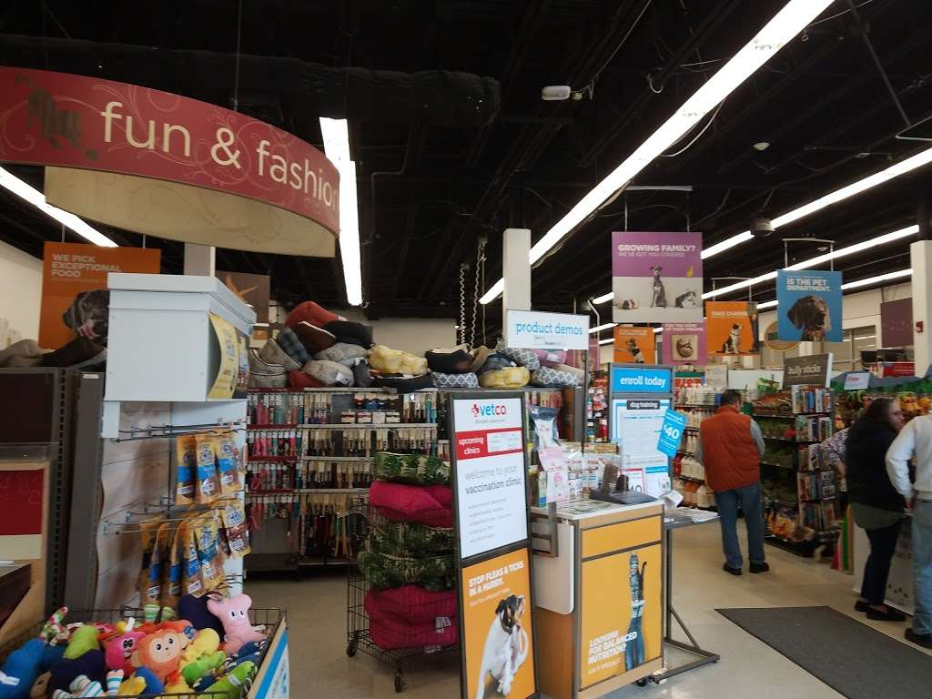 Petco Animal Supplies - store    Photo 1 of 10   Address: 780 Rte 3 West, Clifton, NJ 07012, USA   Phone: (973) 472-3344