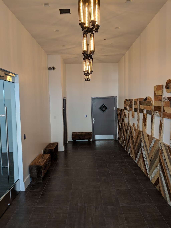 Sunlite Bulbs & Fixtures - home goods store  | Photo 2 of 6 | Address: 744 Clinton St, Brooklyn, NY 11231, USA | Phone: (718) 768-7000