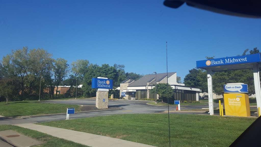 Bank Midwest - bank  | Photo 2 of 3 | Address: 4600 Shawnee Dr, Kansas City, KS 66106, USA | Phone: (913) 831-4184