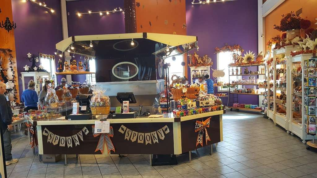 Albanese Confectionery Group - store  | Photo 7 of 10 | Address: 5441 E 81st Ave, Merrillville, IN 46410, USA | Phone: (219) 947-3070