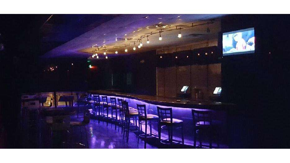 Backstage on Broadway - night club    Photo 1 of 10   Address: 3764 Broadway, Gary, IN 46408, USA   Phone: (219) 427-1322