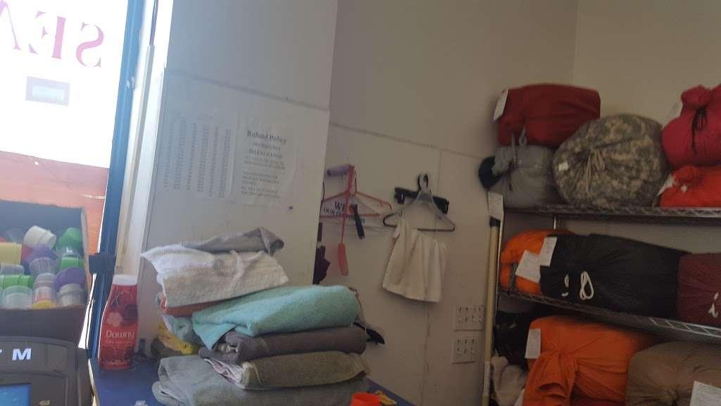 Tub&tumble Laundromat - laundry  | Photo 3 of 8 | Address: 15, 25-15 Seagirt Blvd, Far Rockaway, NY 11691, USA