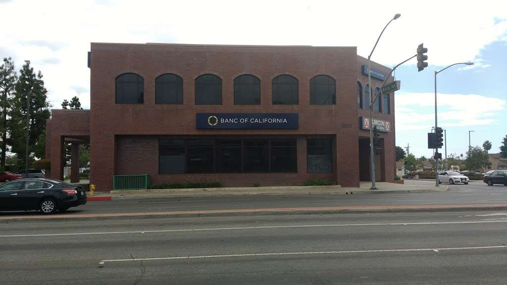 Banc of California - bank  | Photo 4 of 8 | Address: 2133 W Beverly Blvd, Montebello, CA 90640, USA | Phone: (323) 724-8807
