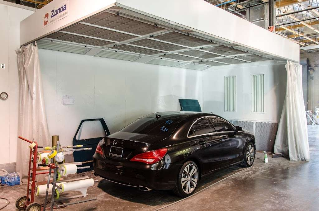 New Look Collision Center - car repair  | Photo 7 of 10 | Address: 5845 W Shelbourne Ave, Las Vegas, NV 89139, USA | Phone: (702) 269-1650