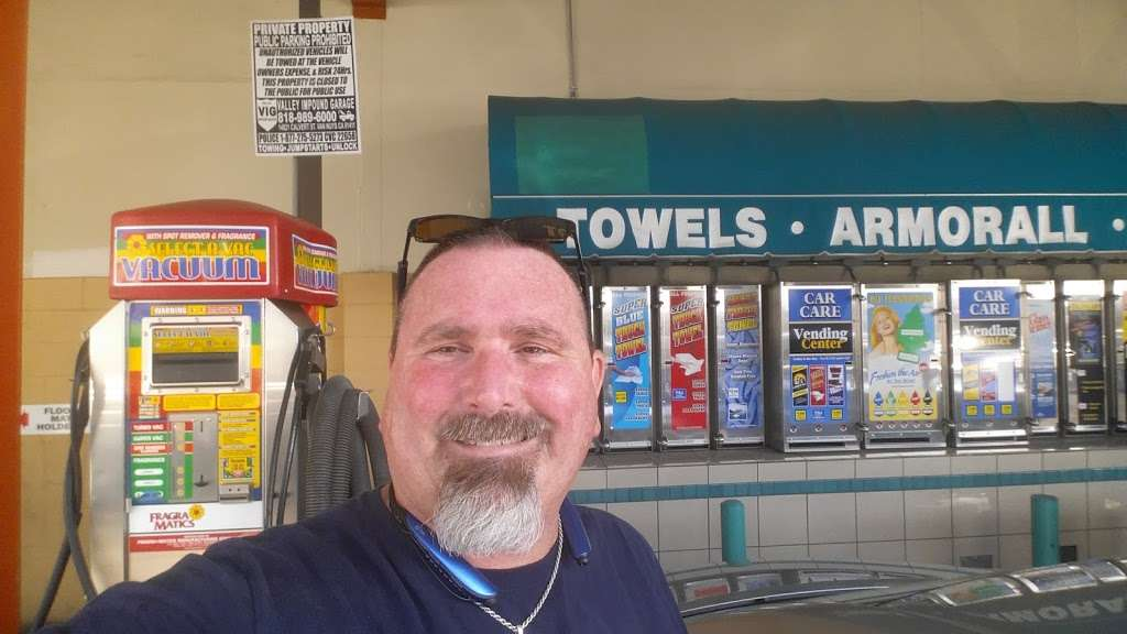Best West Car Wash - car wash    Photo 6 of 9   Address: 13434 Osborne St, Arleta, CA 91331, USA   Phone: (323) 938-0404