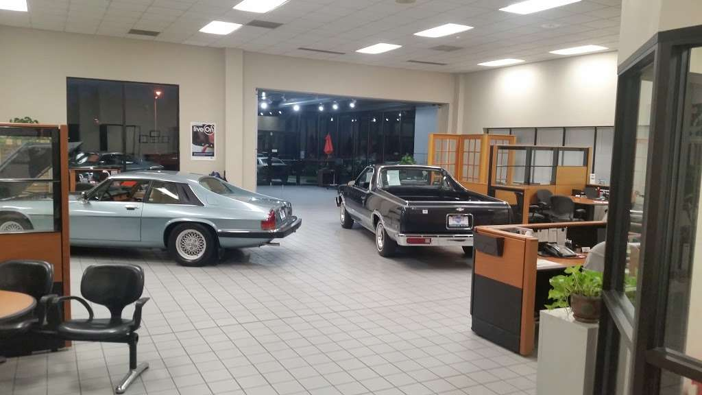 Universal Auto Plaza >> Universal Auto Plaza Car Repair 1500 Nw S Outer Rd Blue
