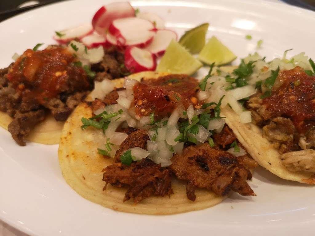 La Fondita Taqueria - restaurant  | Photo 5 of 10 | Address: 630 Park Ct, Rohnert Park, CA 94928, USA | Phone: (707) 588-7311