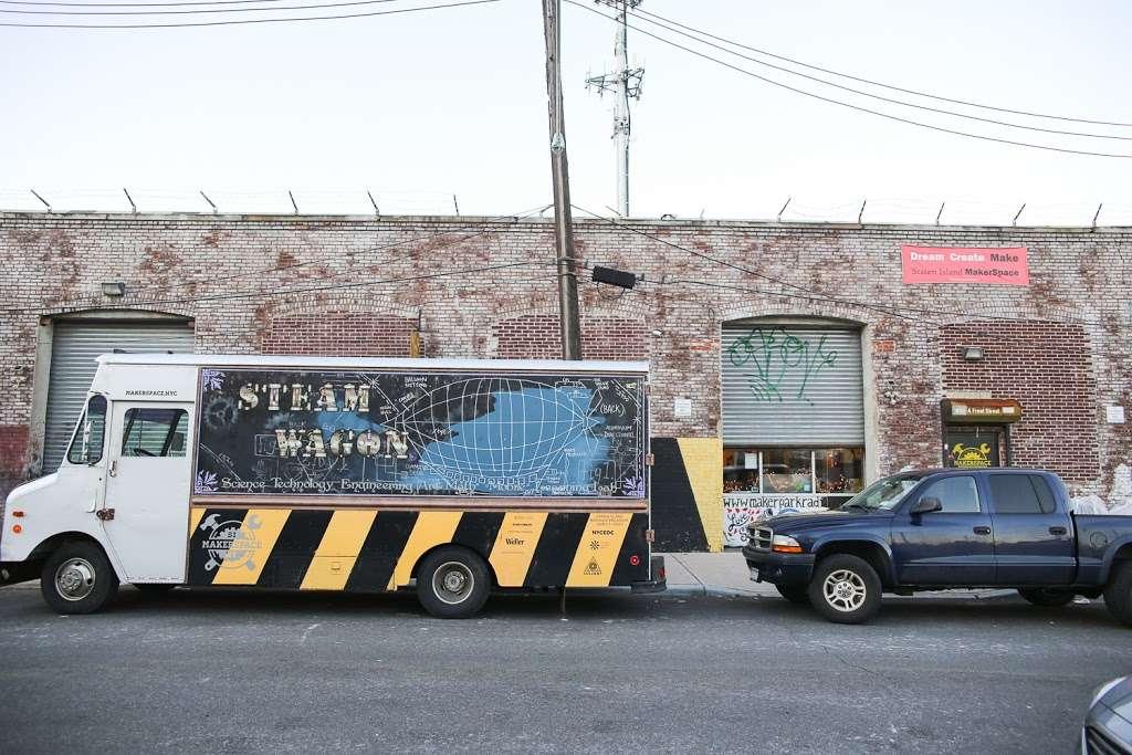 Staten Island MakerSpace - store  | Photo 7 of 10 | Address: 450 Front St, Staten Island, NY 10304, USA | Phone: (718) 273-3951