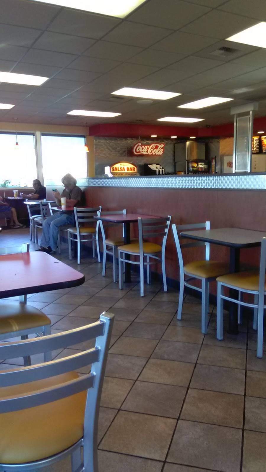 Carls Jr. - restaurant  | Photo 8 of 10 | Address: 1588 N First St, Fresno, CA 93703, USA | Phone: (559) 485-1705