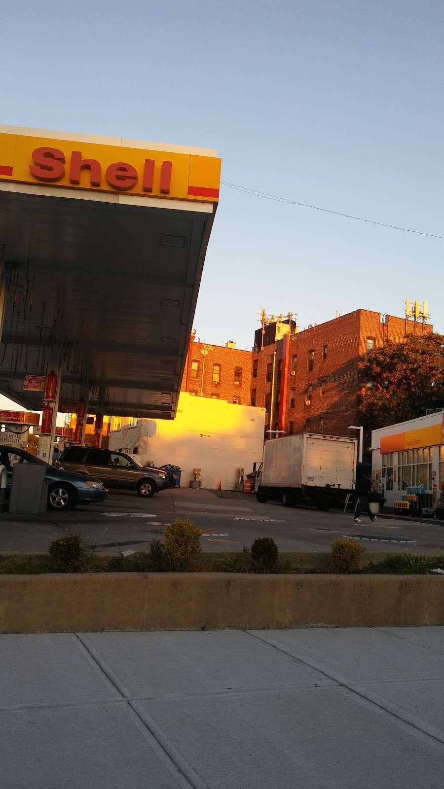 Shell - gas station  | Photo 5 of 10 | Address: 92-10 Astoria Blvd, East Elmhurst, NY 11369, USA | Phone: (718) 639-8594