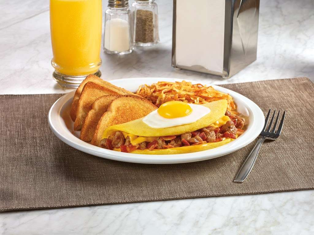 Dennys - restaurant  | Photo 8 of 10 | Address: 6920 S Fry Rd, Katy, TX 77494, USA | Phone: (281) 347-1333